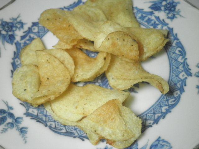 堅あげポテト匠味炭焼き鶏とレモン味03