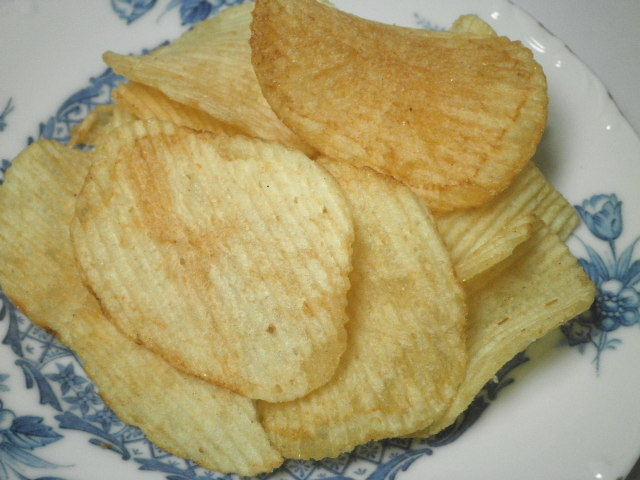 カルビーポテトチップスラフテー味03