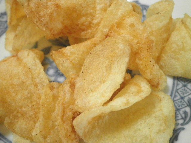 ポテトチップス黒豚のポルケッタ味05