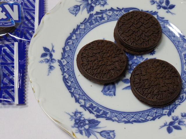 フルタ-ブラック&バニラサンドクッキー5