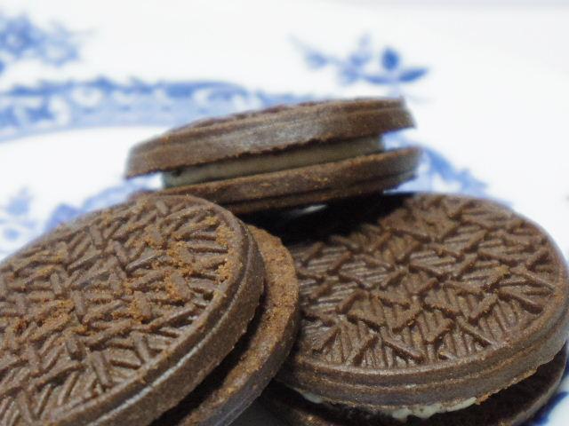 フルタ-ブラック&バニラサンドクッキー6
