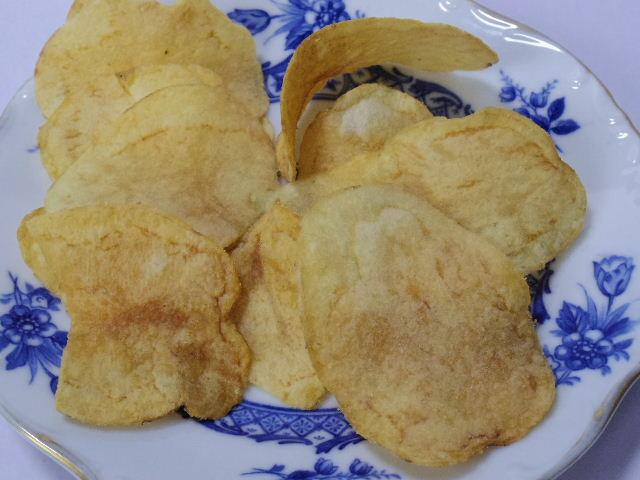 ヤマヨシポテトチップス-塩が効いてるアンチョビソース味3