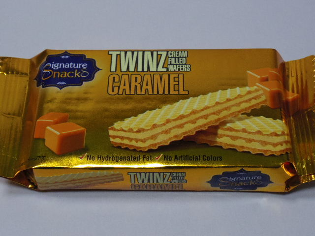 今回のおやつ:「TWINZ CREAM FLLED WAFFERS CARAMEL」を食べる!