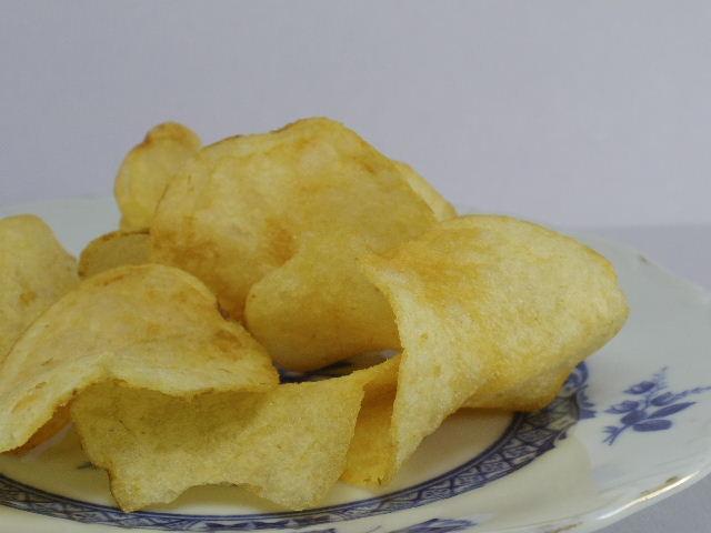 カルビーポテトチップス 北海道バターしょうゆ味4
