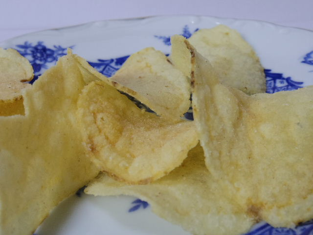 ヤマヨシ-ポテトチップス-トリュフバター味4