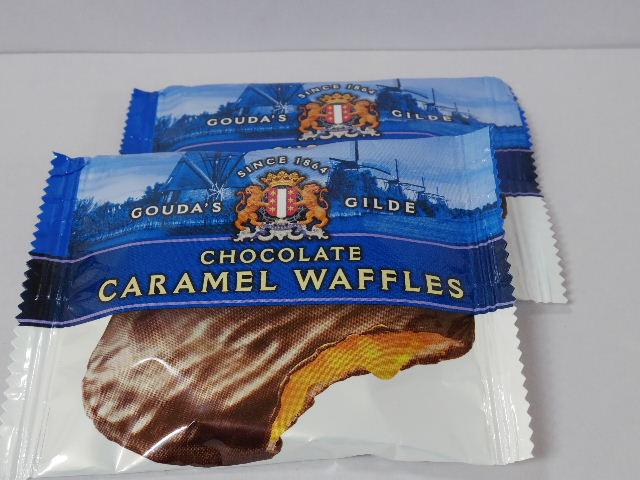 オランダのお菓子:「ゴウダズギルド チョコレートカラメルワッフル」を食べる!