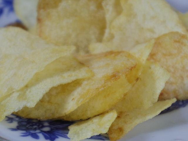 ポテトチップスの芋備え塩味4