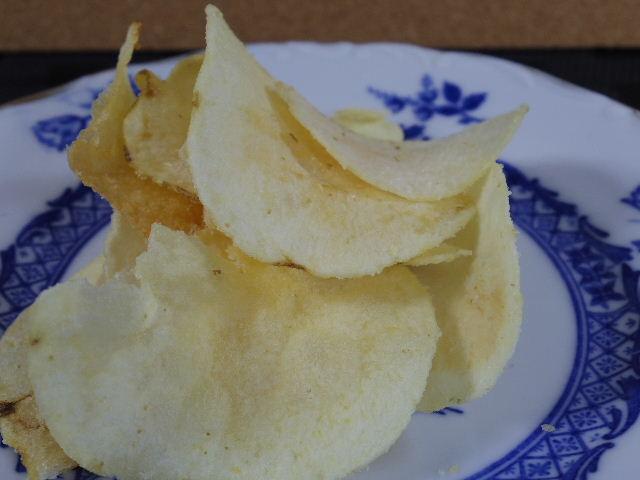パインアメ味のポテトチップス5