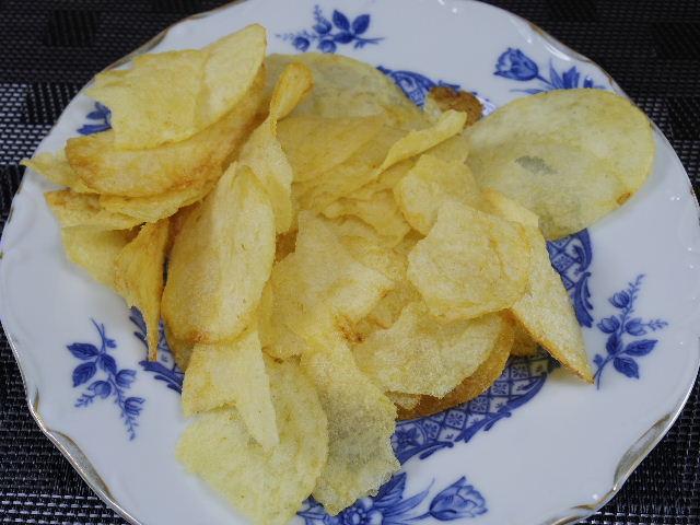 ポテトチップスの芋備え塩味3