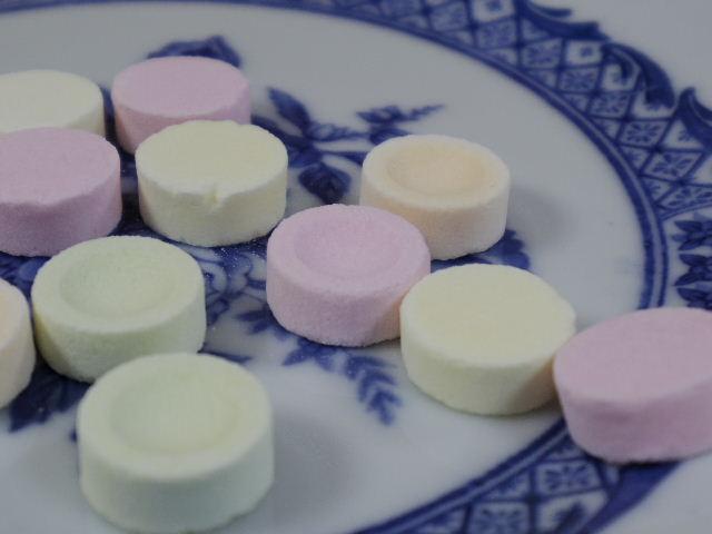 無印良品 優しい昔菓子ぶどう糖のラムネ3