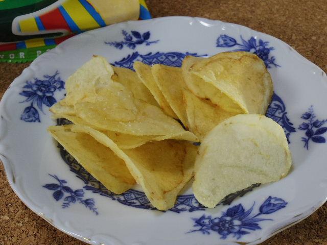 ヤマヨシポテトチップ クリームソーダ味8