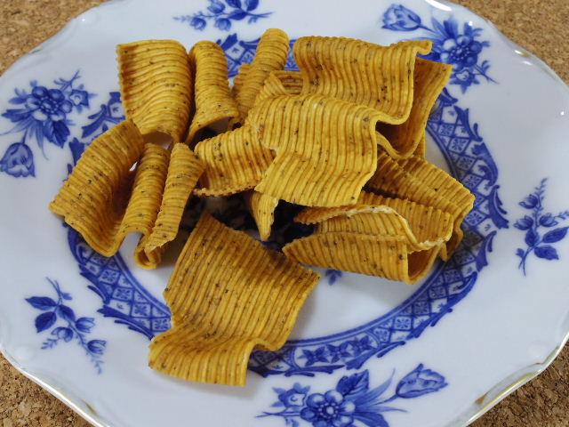 ベビースター31本麺黒胡椒チキン味04